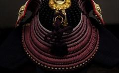 8号 兜飾り 「霞の月に梅紫」<